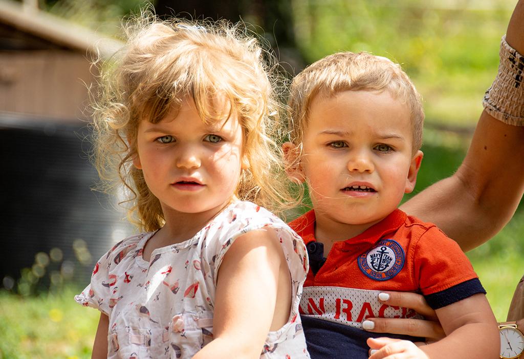 séance photo famille à domicile enfants chevaux balade promenade Toulouse lauragais