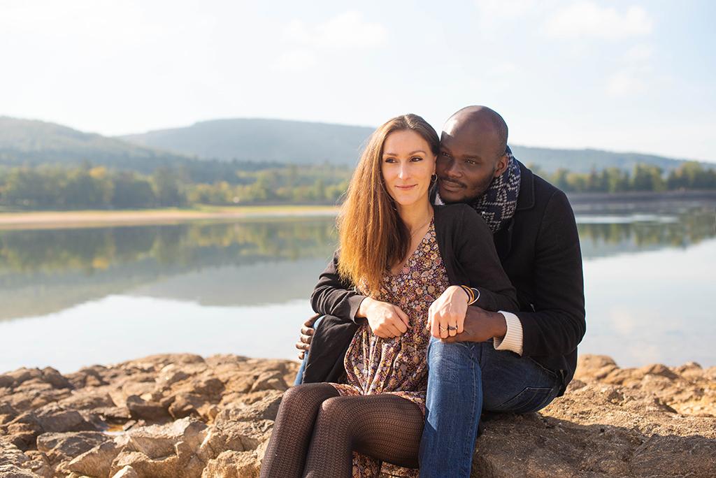 séance photo famille enfants portrait couple Toulouse lauragais lac de Saint-Ferréol