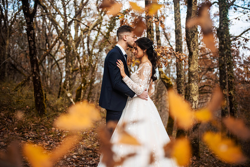 Mariage Toulouse lauragais shooting inspiration aude ariège automne hiver automnale Haute-Garonne coloré lumineux nature intimiste elopement mariée enjouée